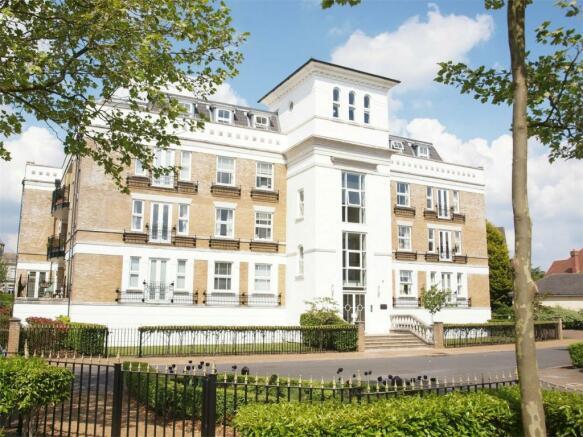 3 Bedroom Apartment For Sale In Osbourne House Langley Park