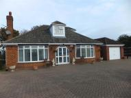 4 bedroom Bungalow in Waltham