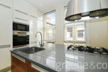 2 bed Flat to rent in Wymering Mansions...