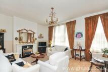 2 bedroom house in Fernhead Road...