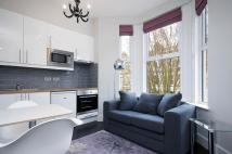 Flat to rent in Croxley Road...