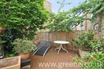 Flat to rent in Saltram Crescent, London...