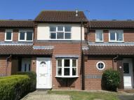 College Close Terraced property to rent