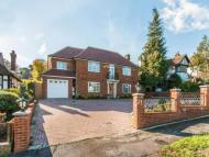 6 bedroom Detached house for sale in The Warren, Carshalton...