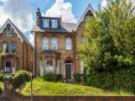 Flat for sale in Park Hill, Carshalton...