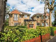 Flat for sale in Carshalton Park Road...