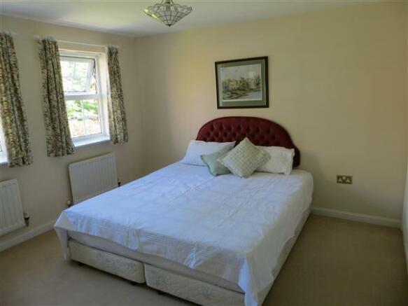 GUEST BEDROOM 2 VIEW 2