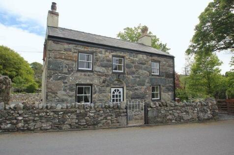 Llanrug, Gwynedd, LL55 3BE, North Wales - Detached / 2 bedroom detached house for sale / £215,000