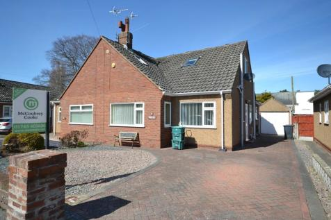 Clifton Rise, Abergele, Conwy (County of), LL22, North Wales - Semi-Detached Bungalow / 3 bedroom semi-detached bungalow for sale / £169,950