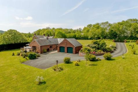 Pool Quay, Welshpool, Mid Wales - Barn Conversion / 4 bedroom barn conversion for sale / £550,000