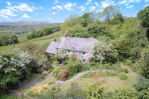 Hundred House,Llandrindod Wells, Powys, LD1 5RR, Mid Wales - Cottage / 2 bedroom cottage for sale / £220,000