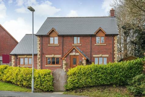 Churchlands,Llanyre, Llandrindod Wells,LD1, Mid Wales - Detached / 4 bedroom detached house for sale / £270,000
