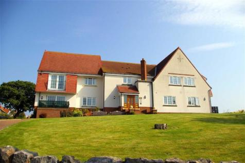 Marine Road, Penrhyn Bay, Llandudno, LL30 3ND, North Wales - Apartment / 2 bedroom apartment for sale / £239,950