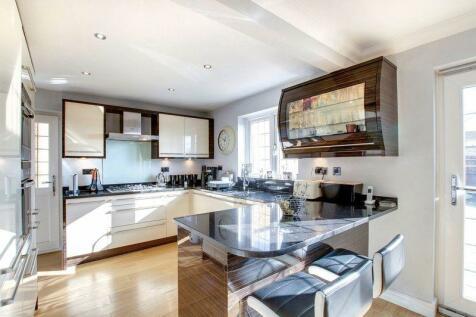 Varney Close, Hemel Hempstead, HP1 2LH, East of England - End of Terrace / 4 bedroom end of terrace house for sale / £465,000