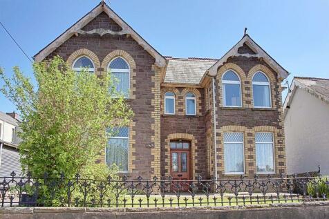 Ton Mawr Avenue, Pontypool, NP4 9LB, South Wales - Detached / 4 bedroom detached house for sale / £219,950
