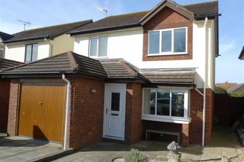 The Oval, Llandudno, LL30 2BU, North Wales - Detached / 2 bedroom detached house for sale / £220,000