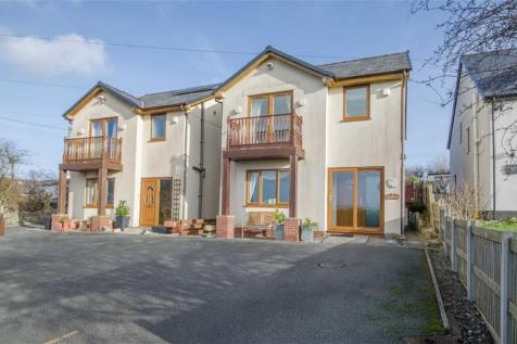 Summerhill, Rhes-y-cae, CH8, North Wales - Detached / 3 bedroom detached house for sale / £190,000