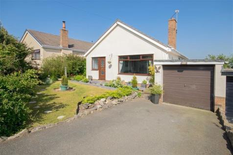 The Links, Gwernaffield, Mold, CH7 5DZ, North Wales - Detached Bungalow / 2 bedroom detached bungalow for sale / £193,000