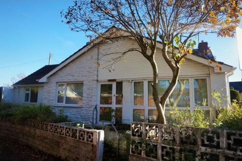 Pontygwindy Road, Caerphilly, CF83, South Wales - Detached Bungalow / 3 bedroom detached bungalow for sale / £180,000