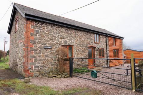 Llanwnog, Caersws, SY17, Mid Wales - Barn Conversion / 2 bedroom barn conversion for sale / £233,000