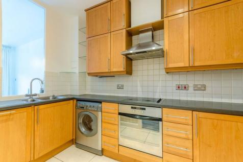 Rivers House, Brentford, TW8, London - Flat / 2 bedroom flat for sale / £475,000