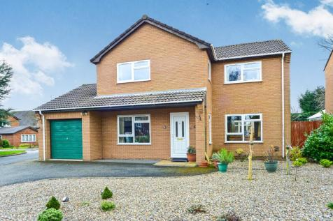 Llys Llannerch, St. Asaph, Denbighshire, North Wales, LL17 0AZ - Detached / 3 bedroom detached house for sale / £255,000