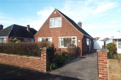 Alwen Drive, Connah's Quay, Deeside, Flintshire, CH5 4RG, North Wales - Bungalow / 3 bedroom bungalow for sale / £169,995