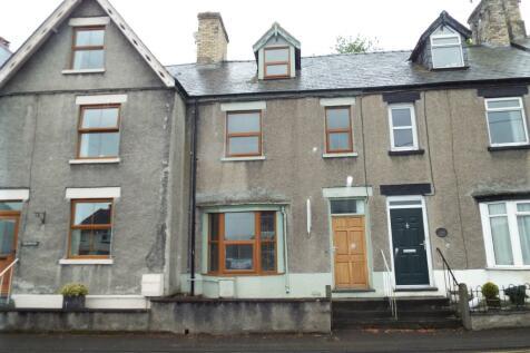 Bridge Street, Corwen, Denbighshire, LL21, North Wales - Terraced / 3 bedroom terraced house for sale / £100,000