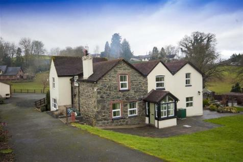 Groes-Pluen, Groes-Pluen Welshpool, SY21, Mid Wales - Detached / 5 bedroom detached house for sale / £495,000