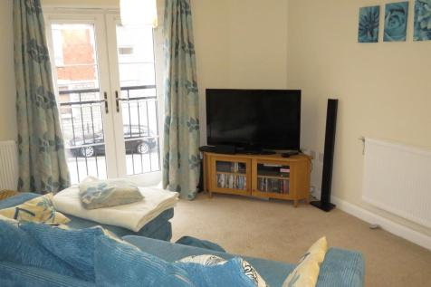 High Street, Penarth, CF64 1FA, South Wales - Apartment / 2 bedroom apartment for sale / £160,000