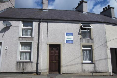 Park Terrace, Amlwch, LL68 9AY, North Wales - Terraced / 2 bedroom terraced house for sale / £74,950