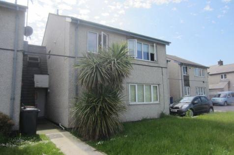 74 Maes Cynfor, Cemaes Bay, North Wales - Flat / 2 bedroom flat for sale / £84,950