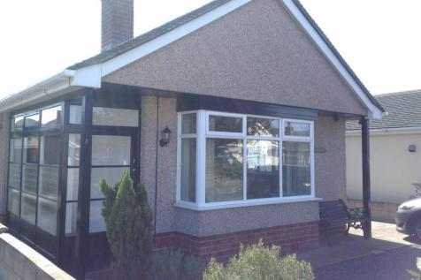 25 Merllyn Road, Y Rhyl, LL18 4HG, North Wales - Detached Bungalow / 2 bedroom detached bungalow for sale / £129,950