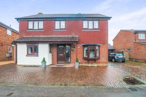4 bedroom houses for sale in maidenhead berkshire rightmove