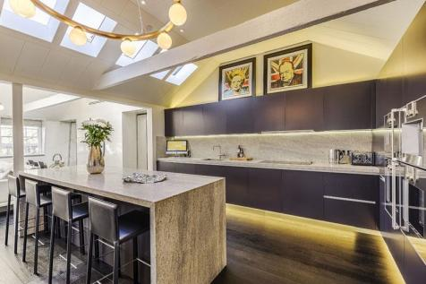 Soho square soho w1d london apartment 3 bedroom for Apartments for sale in soho