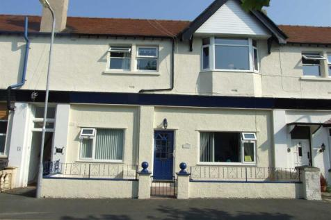 Knowles Road, Llandudno, LL30 2LQ, North Wales - Apartment / 2 bedroom apartment for sale / £85,000