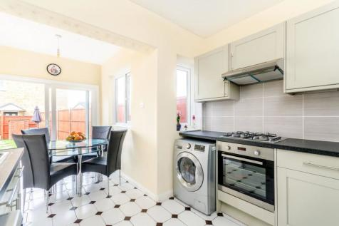 2 Bedroom Houses For Sale in London   Rightmove. 2 Bedroom Houses For Sale in London   Rightmove