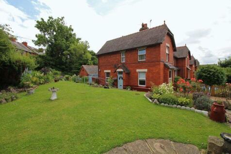 Llangollen Road, Acrefair, LL14 3HR, North Wales - End of Terrace / 2 bedroom end of terrace house for sale / £125,000