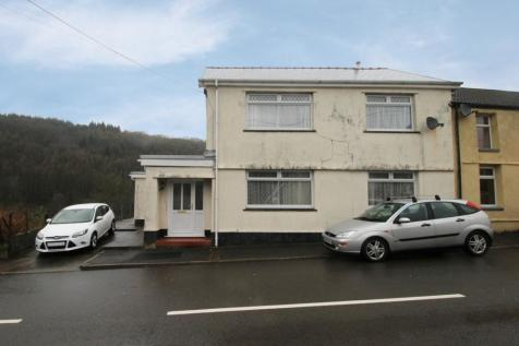 Tonclwyda, Neath, West Glamorgan, SA11 4BS, South Wales - Semi-Detached / 4 bedroom semi-detached house for sale / £155,000