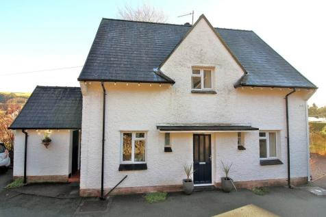 Woodlands Road, Llanidloes, SY18 6HX, Mid Wales - Detached / 4 bedroom detached house for sale / £285,000
