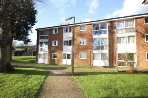 SPACIOUS and WELL PRESENTED 2 BED GROUND FLOOR apartment with NO UPPER CHAIN, HP2 7JS, East of England - Apartment / 2 bedroom apartment for sale / £209,950