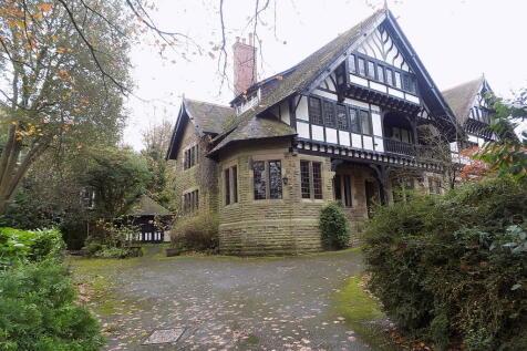 College Road, Buxton, SK17 9DZ, East Midlands - Semi-Detached / 9 bedroom semi-detached house for sale / £590,000