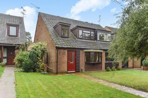 3 Bedroom Houses To Rent In Yateley Hampshire