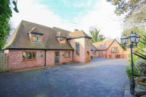 Property Image 1. 4 Bedroom Houses For Sale in Heaton Mersey  Stockport  Cheshire