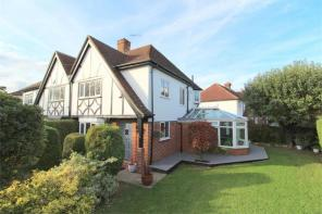 3 bedroom houses for sale ashford middlesex