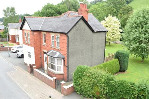 Watergate Street, Llanfair Caereinion, Welshpool, Powys, Mid Wales - Detached / 3 bedroom detached house for sale / £235,000