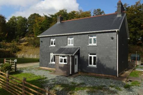 Upper Cefn Perfa Farm, Kerry, Newtown, SY16 4DW, Mid Wales - Farm House / 4 bedroom farm house for sale / £190,000