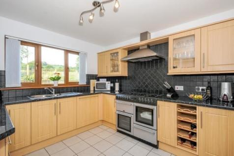 Church Land,Llanyre, Llandrindod Wells, LD1 6DX, Mid Wales - Detached / 4 bedroom detached house for sale / £240,000