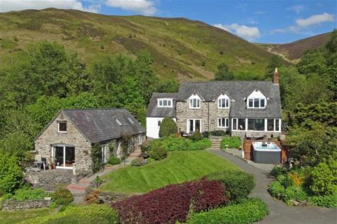 Pentre Coch, Ruthin, LL15, North Wales - Detached / 4 bedroom detached house for sale / £649,500
