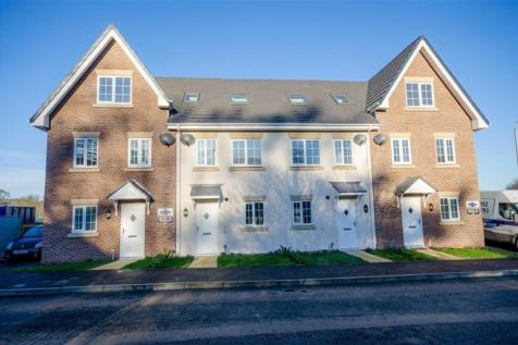 Rhyd Y Byll, Rhewl, Ruthin, LL15 2TZ, North Wales - Town House / 3 bedroom town house for sale / £185,000